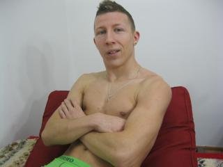 Picture of the sexy profile of AlexLeon, for a very hot webcam live show !
