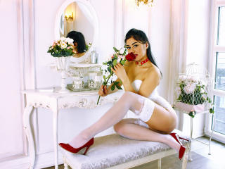Photo de profil sexy du modèle ArabianHottieOne, pour un live show webcam très hot !
