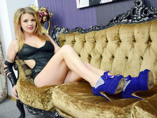 Photo de profil sexy du modèle BabeHotBlue, pour un live show webcam très hot !