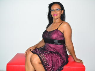 Picture of the sexy profile of BlackWetMature, for a very hot webcam live show !