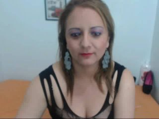 Picture of the sexy profile of BrendaHott, for a very hot webcam live show !