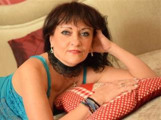 Photo de profil sexy du modèle CindyCreamy, pour un live show webcam très hot !