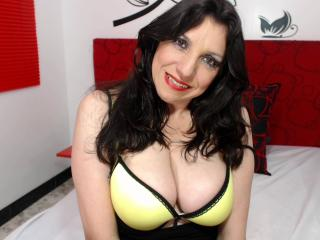 Picture of the sexy profile of EdnnaMature, for a very hot webcam live show !