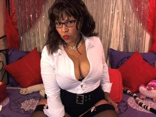 Photo de profil sexy du modèle FrenchyLady, pour un live show webcam très hot !