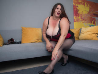 Photo de profil sexy du modèle HairySonia, pour un live show webcam très hot !