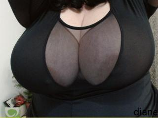 Picture of the sexy profile of Hugeboobshoney, for a very hot webcam live show !