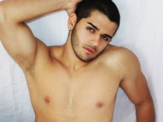 Picture of the sexy profile of JhonRusso, for a very hot webcam live show !