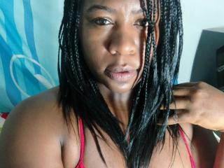 Picture of the sexy profile of KykyBlack, for a very hot webcam live show !