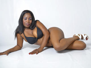 Photo de profil sexy du modèle LizParker69, pour un live show webcam très hot !