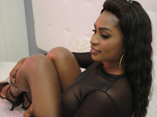 Picture of the sexy profile of MandySugar, for a very hot webcam live show !
