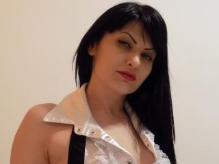 Photo de profil sexy du modèle MichelleWildx, pour un live show webcam très hot !