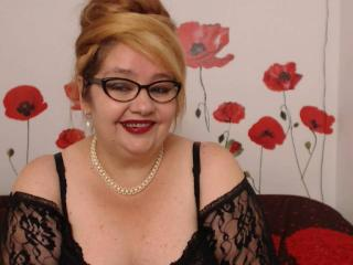 Picture of the sexy profile of NastyTitsForU, for a very hot webcam live show !