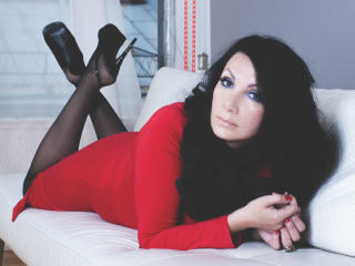 Photo de profil sexy du modèle SweetDreamss, pour un live show webcam très hot !