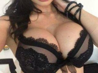 Photo de profil sexy du modèle SweetxxIllussion, pour un live show webcam très hot !