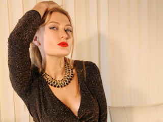 Picture of the sexy profile of Tonique, for a very hot webcam live show !