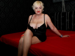 Sexet profilfoto af model UrHiddenSin, til meget hot live show webcam!