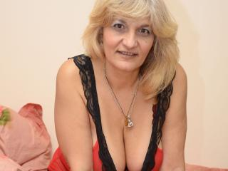 Photo de profil sexy du modèle YourLadyHott, pour un live show webcam très hot !