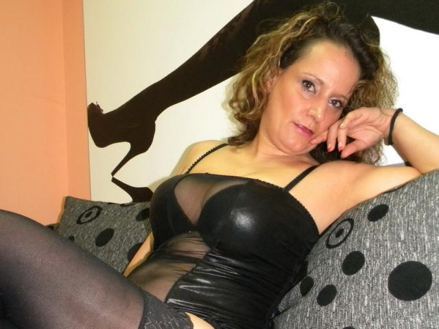 Picture of the sexy profile of BeatriceMylf, for a very hot webcam live show !