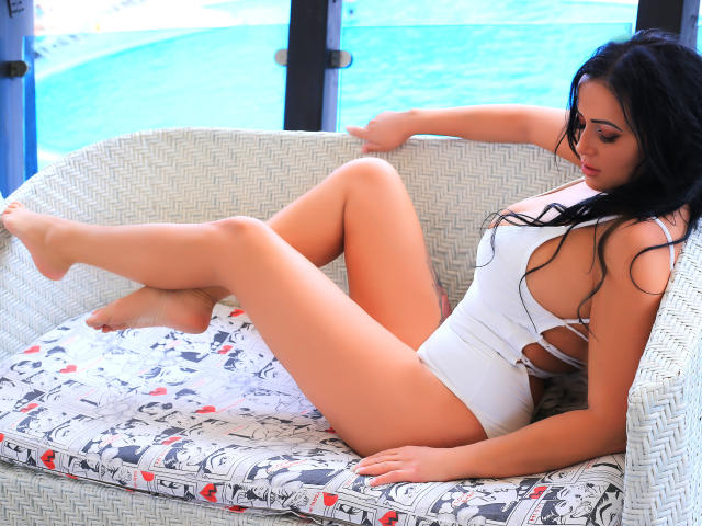 Picture of the sexy profile of BelleCarmela, for a very hot webcam live show !
