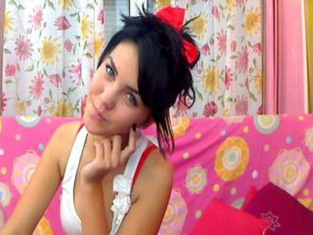 Picture of the sexy profile of CleopatraS, for a very hot webcam live show !