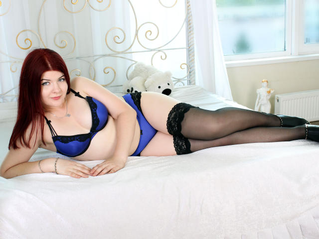 Picture of the sexy profile of DelightLily, for a very hot webcam live show !