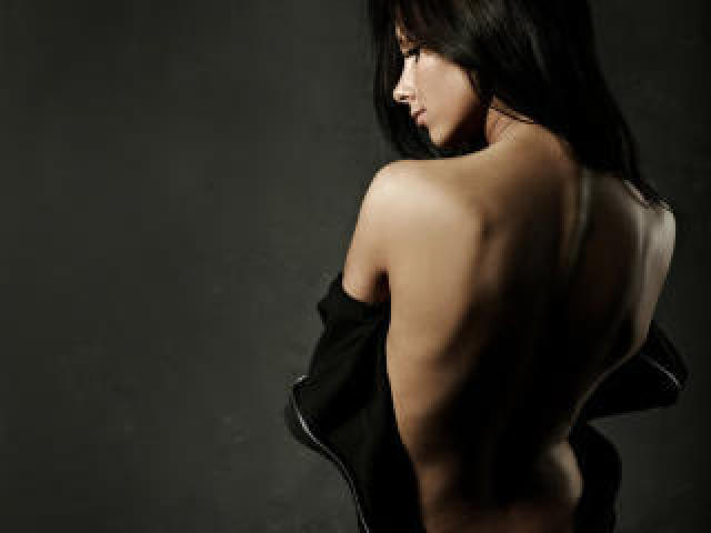 Picture of the sexy profile of LaCapricieuse, for a very hot webcam live show !
