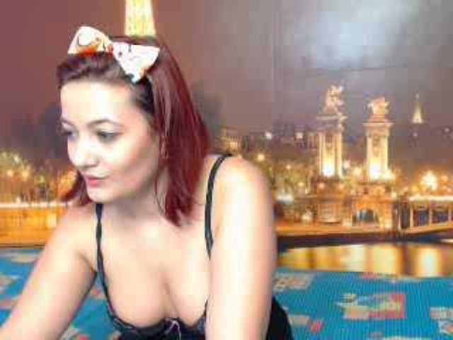 Picture of the sexy profile of LouLouSxy, for a very hot webcam live show !