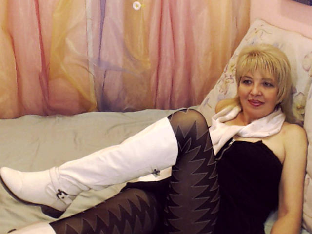 Picture of the sexy profile of MatureShow, for a very hot webcam live show !
