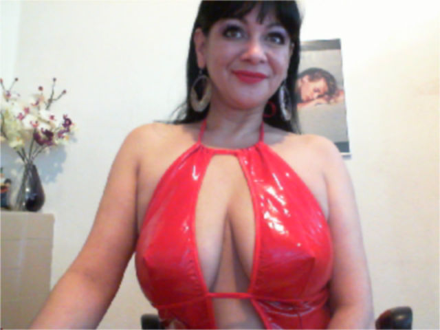 Picture of the sexy profile of SweetJugs4U, for a very hot webcam live show !