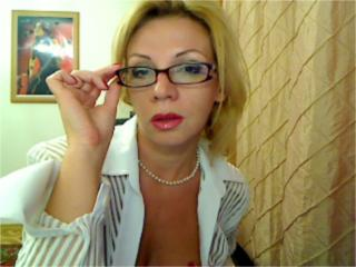 AmazingDeborah - Sexy live show with sex cam on XloveCam®