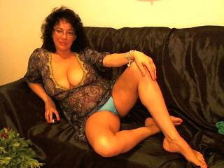 QueenFeetX - Sexy live show with sex cam on XloveCam