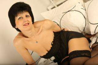 HornyMILF - Sexy live show with sex cam on XloveCam®