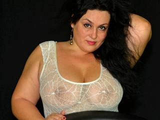LovelySuze - Sexy live show with sex cam on XloveCam