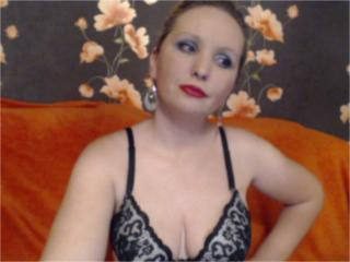LovellyMadame - Sexy live show with sex cam on XloveCam®