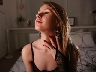 HotBlondeDiva - Sexy live show with sex cam on XloveCam®
