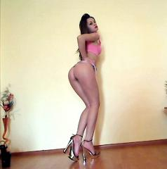 InnocentErika - Sexy live show with sex cam on XloveCam®