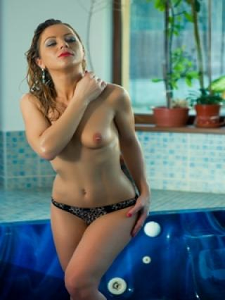 KinkyLara - Sexy live show with sex cam on XloveCam®