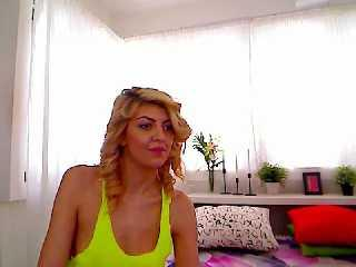 LongLgsBlonde - Sexy live show with sex cam on XloveCam