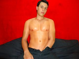 TonnyCastro - Sexy live show with sex cam on XloveCam®