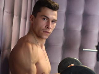 BrandonGrant - Sexy live show with sex cam on XloveCam®