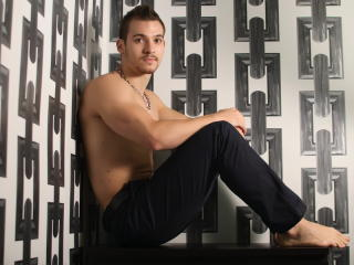 ChampSteele - Sexy live show with sex cam on XloveCam®