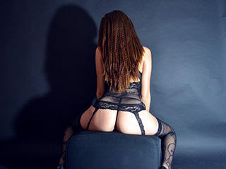 SensualReynna - Sexy live show with sex cam on XloveCam®