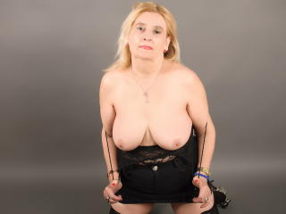 DangerousWoman - Sexy live show with sex cam on XloveCam