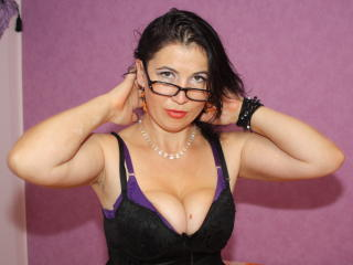 EmmaHotSquirt - Sexy live show with sex cam on XloveCam®