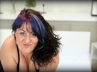 BlueEyesLola - Sexy live show with sex cam on XloveCam