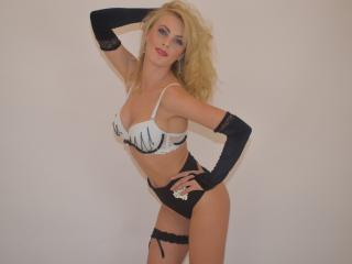 SexyEvitta - Sexy live show with sex cam on XloveCam®