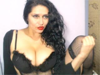 HotSexyIsa - Sexy live show with sex cam on XloveCam