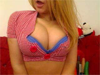 SugarEva - Sexy live show with sex cam on XloveCam®