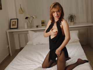 FoxyHotMilf - Sexy live show with sex cam on XloveCam®
