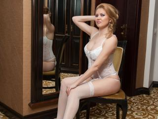 DeliciousPussyKat - Sexy live show with sex cam on XloveCam®